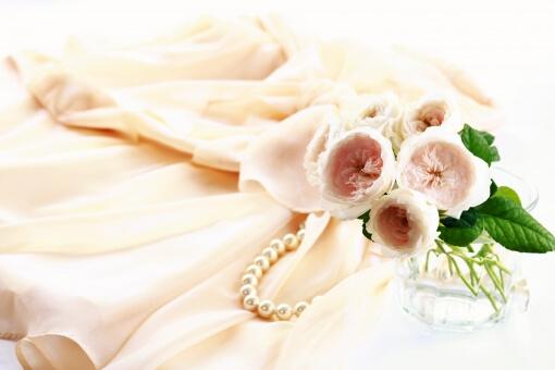 キャバクラのドレスは通販よりレンタルがお得!素敵な衣装で指名もアップ♡